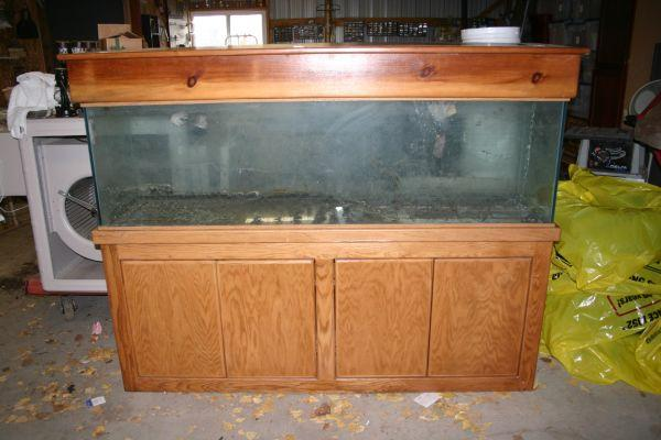 125 gallon fish aquarium tank with stand and cover   (Wenatchee) for