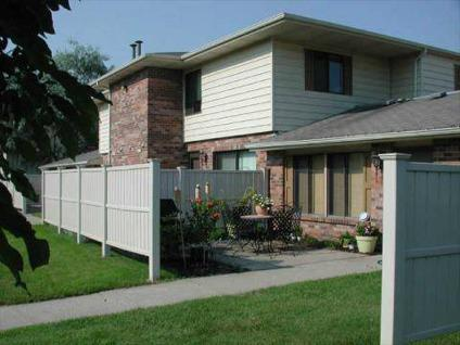 2 Beds Fox Forest Townhomes For Rent In Plymouth