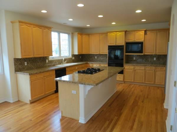 Kitchen Island With Cooktop For Sale Entire Kitchen-maple Wood Cabinets, Island, Desk,wet Bar