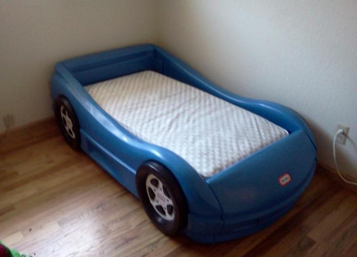 Kids Race Car Bed For Sale LITTLE TIKES RACING CAR TODDLER BED - (reno/ OBO) for Sale in Reno, Nevada Classified ...