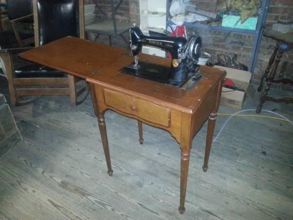 Singer Sewing Machine Model 99k For Parts Or Repair In
