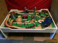 Thomas Train Table & Set - Roundhouse, Bridge, Mountain ...