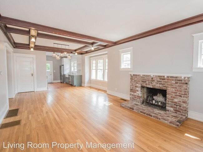2740 NE 50th Ave Portland, OR 97213 Rentals - Portland, OR - living room property management