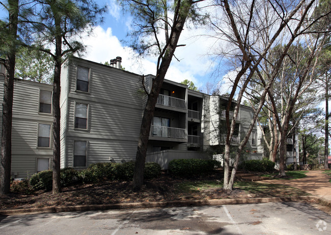 Poplar Pines and Poplar Pines West Rentals - Memphis, TN