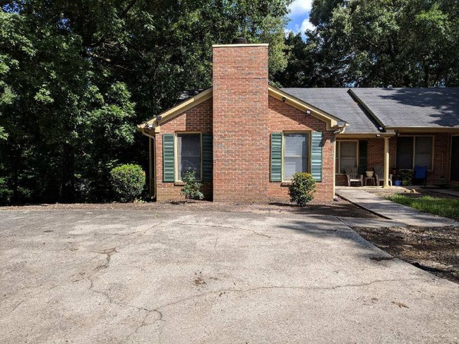 1842 Cooper Lake Road - House for Rent in Smyrna, GA Apartments