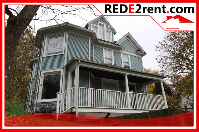 220 E Racine St Janesville Wi 53545 Townhouse For Rent