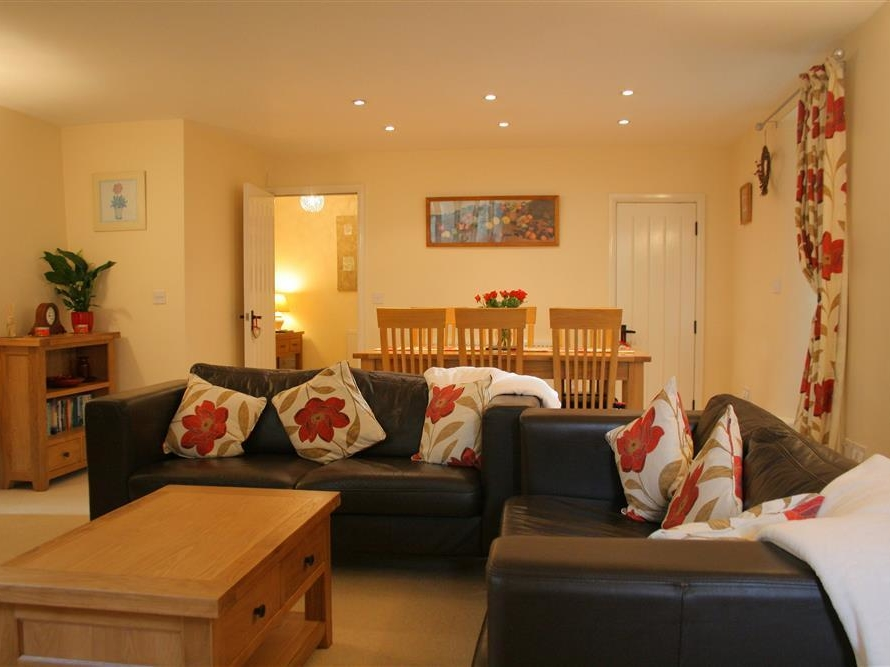 Sofa And Stuff Woodchester Gig Mill Nailsworth Ball S Green Self Catering Holiday Cottage