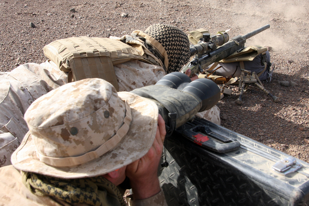 Marine Corps images Scout/Sniper Team Observes A Target Area HD