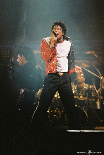 Michael Jackson images Bad Tour - Beat It HD wallpaper and background photos (13427426)