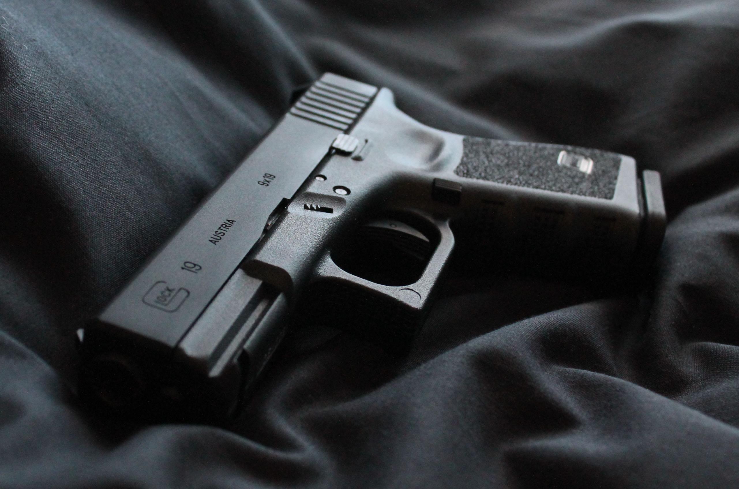Hd Girl Gun Wallpapers 1080p 1 Glock 19 Fondos De Pantalla Hd Fondos De Escritorio