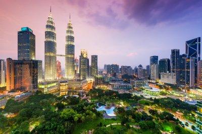 Kuala Lumpur in Malaysia at Dusk 5k Retina Ultra HD Wallpaper | Background Image | 5600x3733 ...