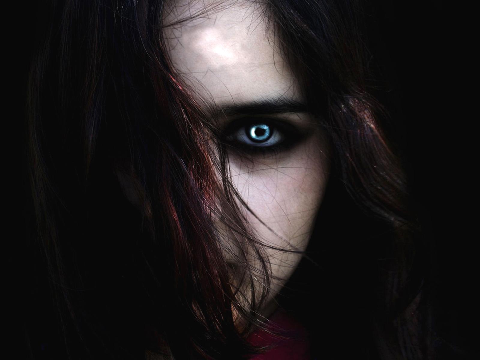 3d Art Wallpaper Blue Eyed Girl 171 Vampire Hd Wallpapers Background Images Wallpaper