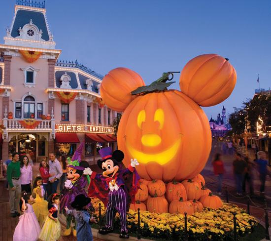 Winnie The Pooh Fall Wallpaper Disney Land Images Disneyland During Halloween Wallpaper