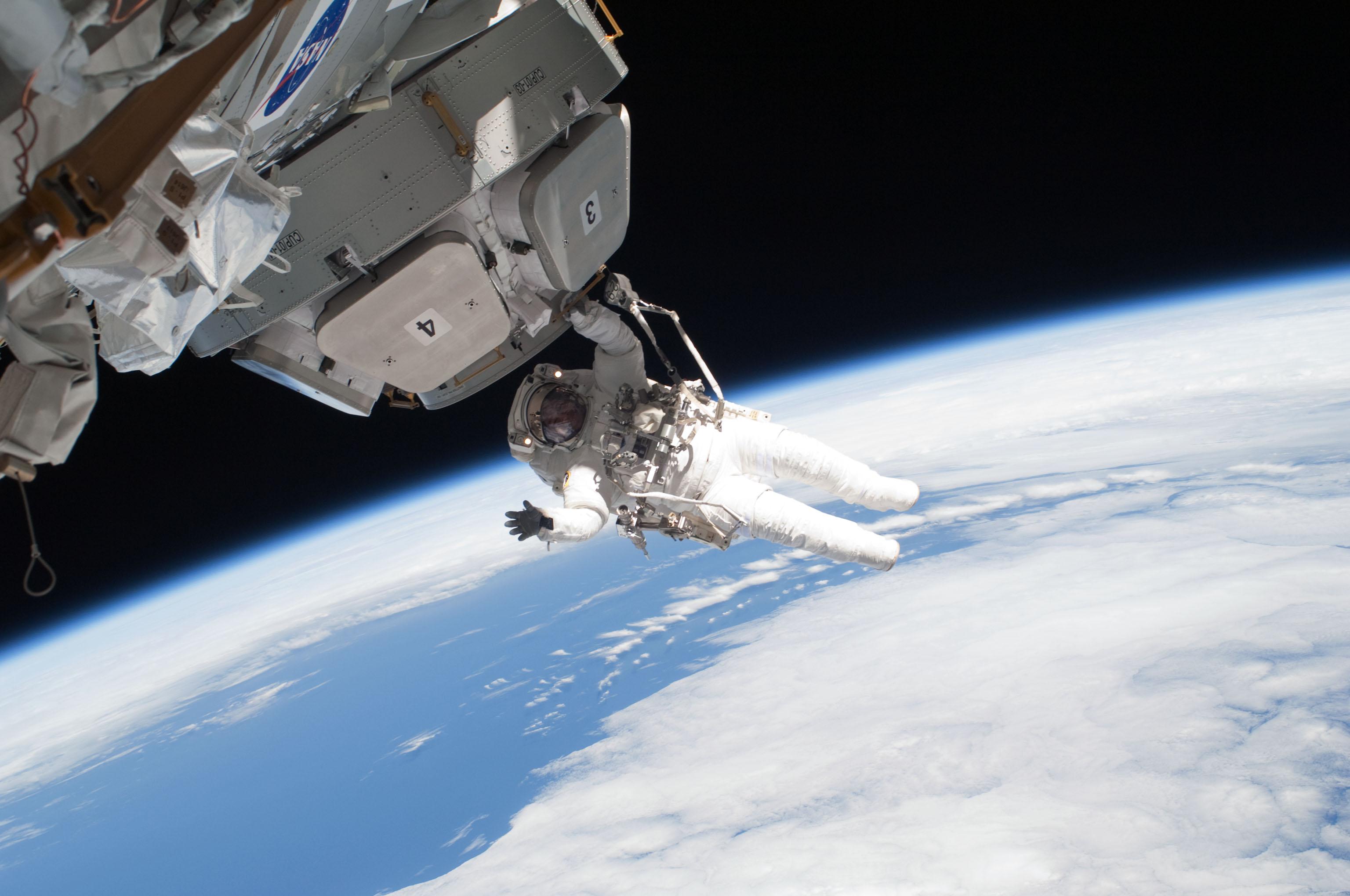 Iss Wallpaper Hd Nasa Astronaut Nicholas Patrick Full Hd Wallpaper And