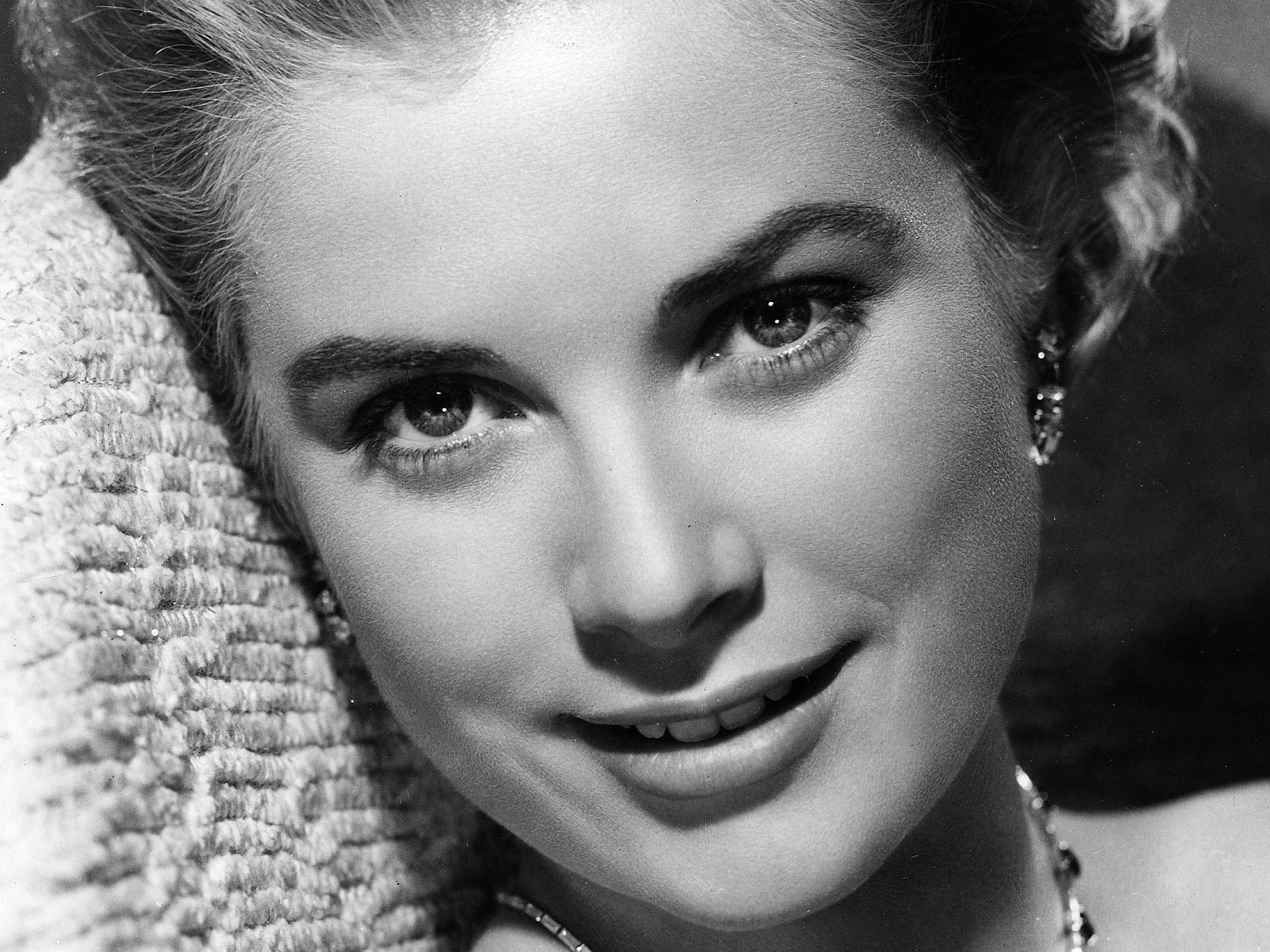 Polo Wallpaper For Iphone Grace Kelly Hd Wallpaper Background Image 2560x1919