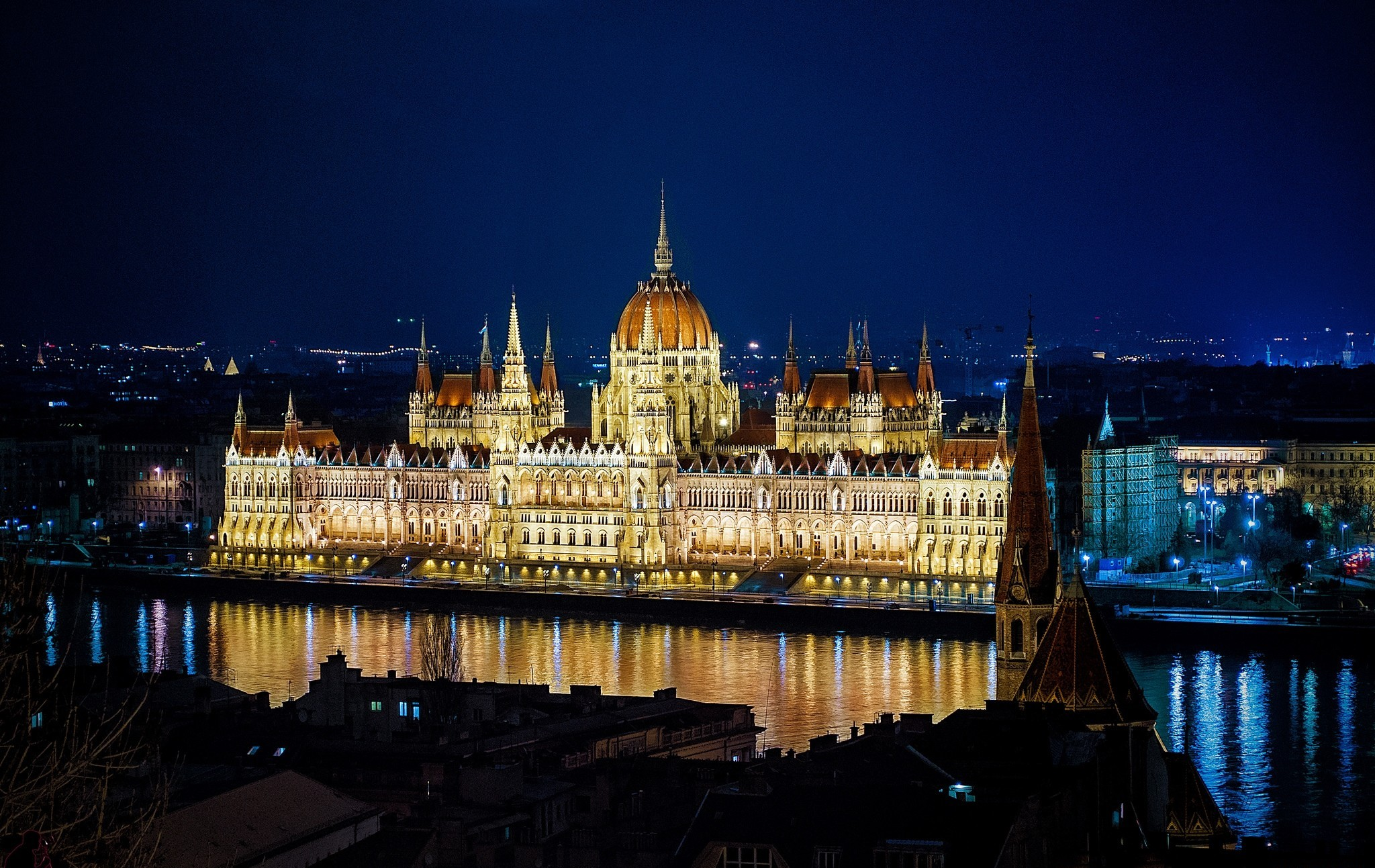 Xmas Wallpaper Iphone Budapest The Parliament Building At Night Full Hd