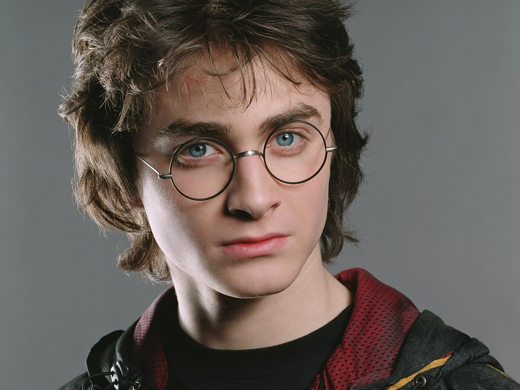 Harry Potter And The Deathly Hallows Wallpaper Hd Harry Potter Wallpaper Harry James Potter Wallpaper