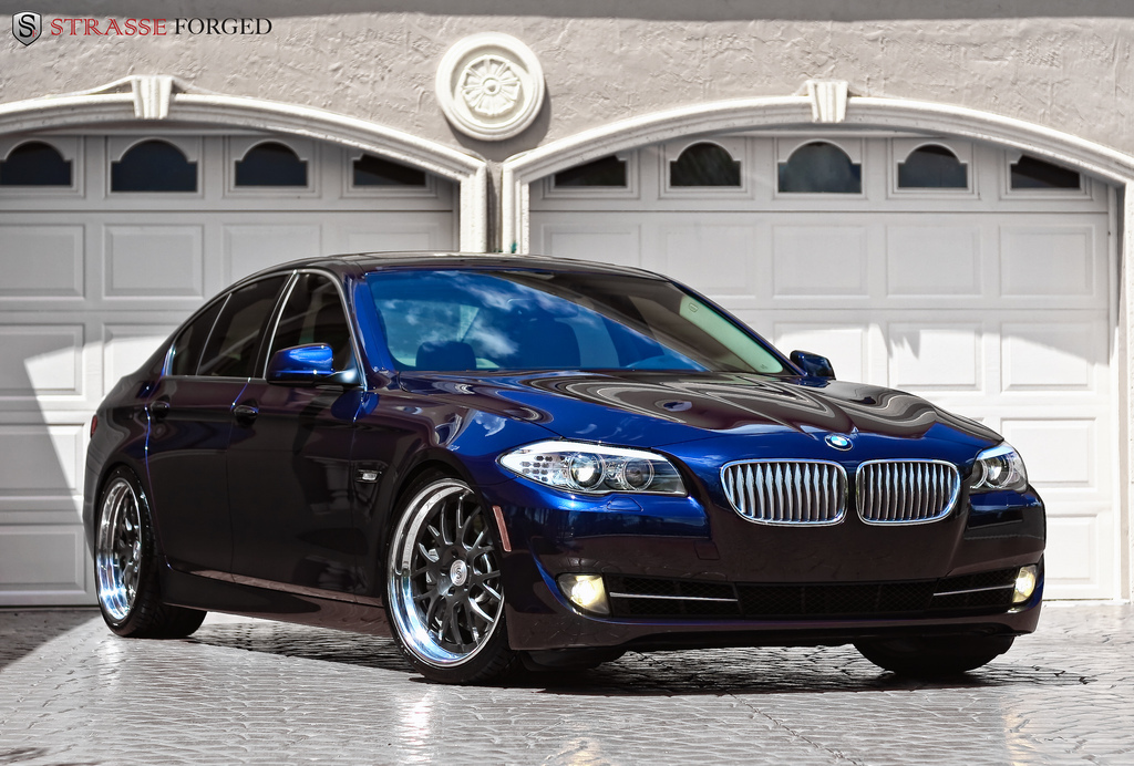 Bmw M5 Girl Wallpaper Bmw Images Bmw 550i Hd Wallpaper And Background Photos