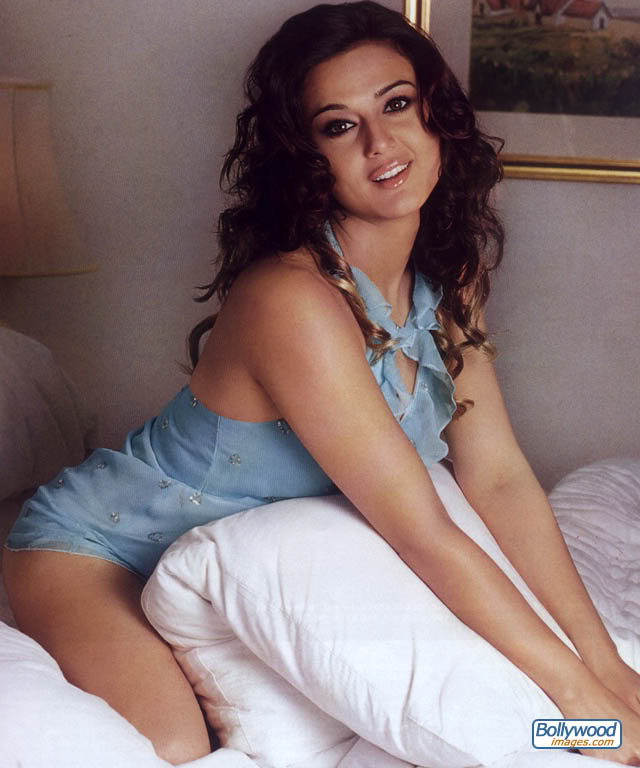 Preity Zinta Cute Smile Wallpaper Preity Zinta