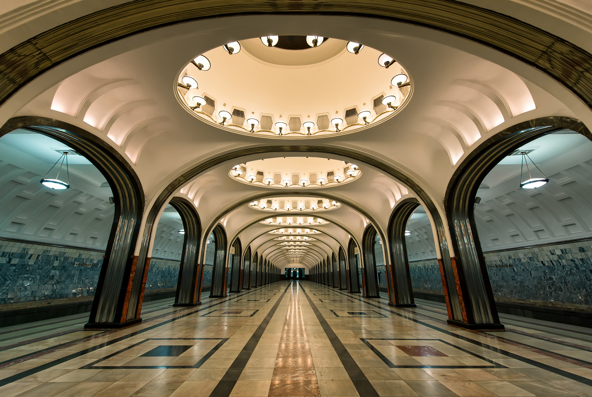 Iphone 7 Plus Hd Wallpapers Reddit Moscow Metro Hd Wallpaper Background Image 2048x1376
