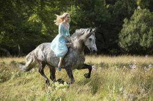 First Look of Lily James as Cinderella - Cinderella (2015) Photo ...