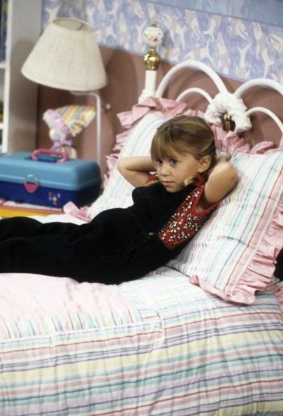 Lovely Girl Smile Wallpaper Michelle Tanner Images Michelle Tanner Resting On Her Bed