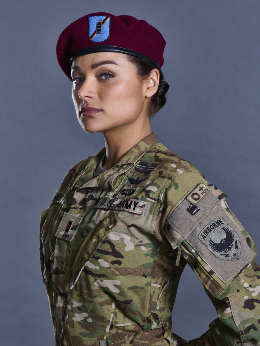 Helicopter Full Hd Wallpaper Valor The Cw Picha Valor Warrant Officer Nora Madani
