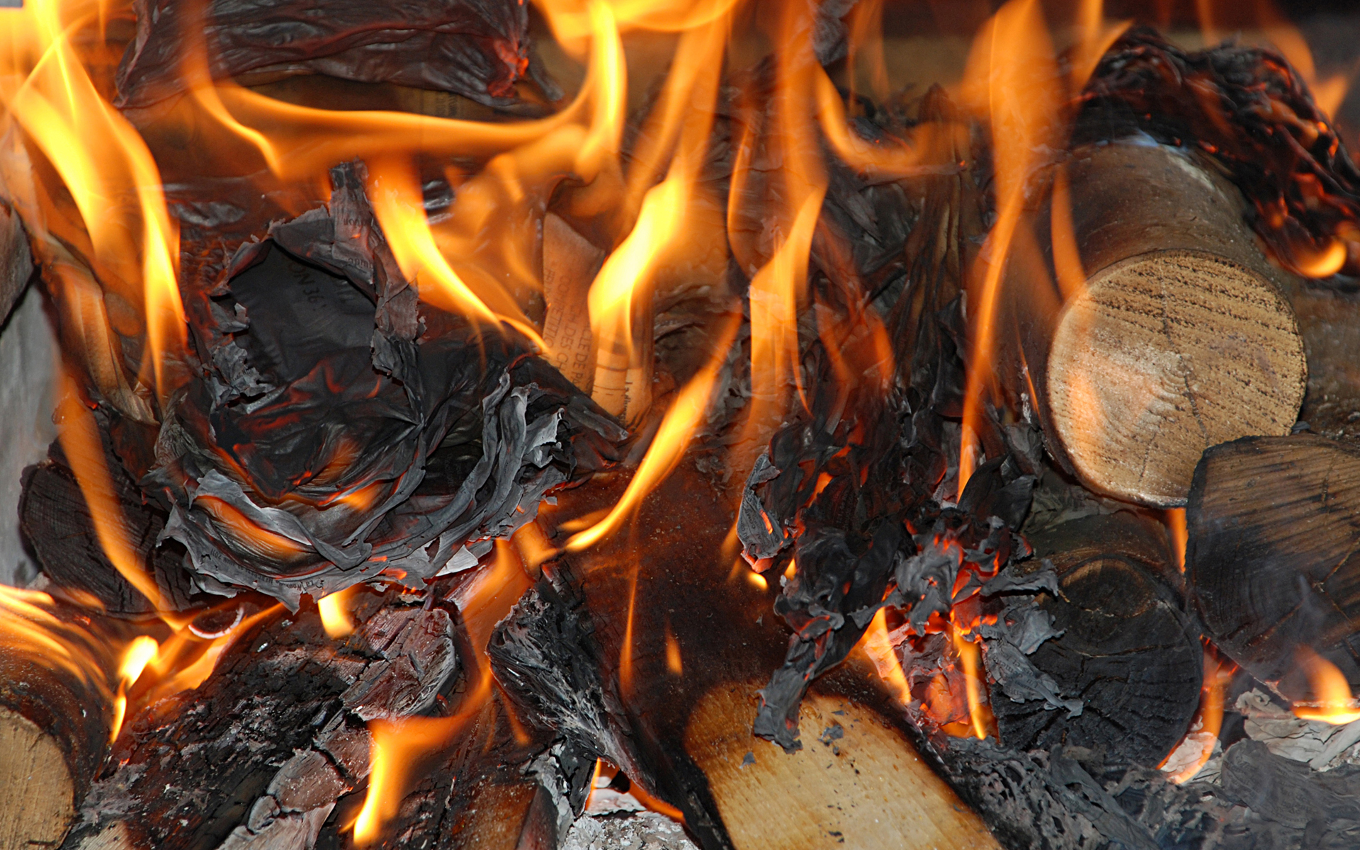Iphone Book Wallpaper Moril Wood Fire Hd Wallpaper Background Image