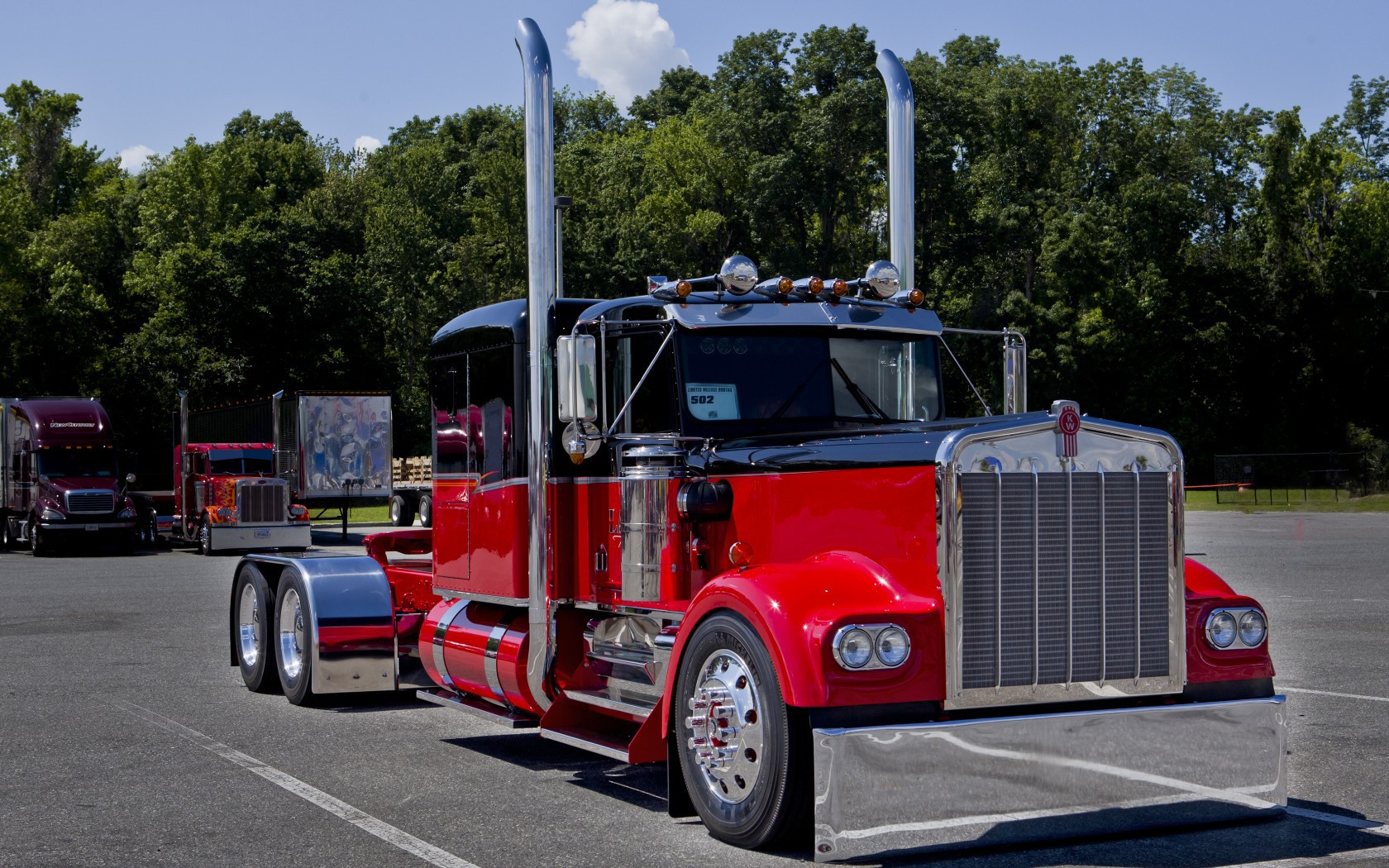 Peterbilt And Girls Wallpaper Kenworth Wallpaper And Background Image 1680x1050 Id