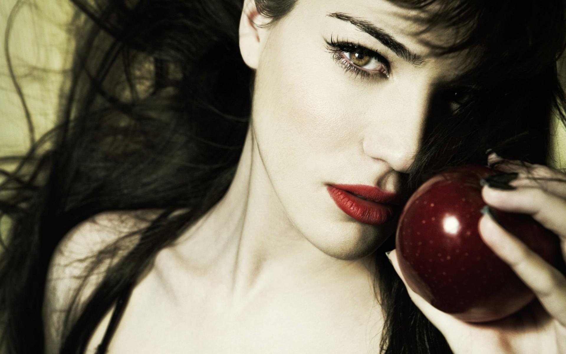 Retro Apple Wallpaper Iphone X Monica Bellucci Full Hd Wallpaper And Background Image