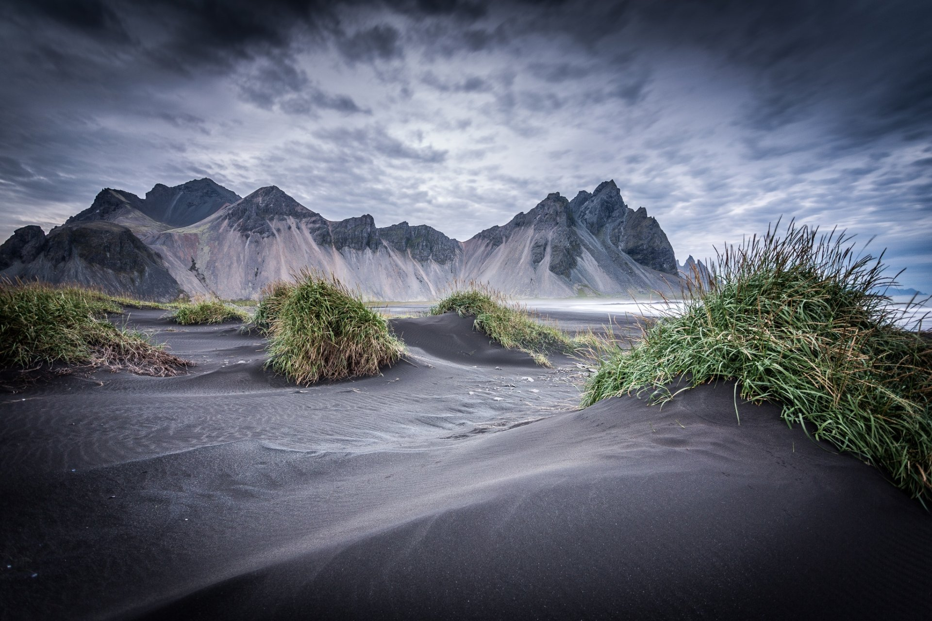 Hd Earth Wallpaper Widescreen Dark Iceland Full Hd Wallpaper And Background 2048x1365