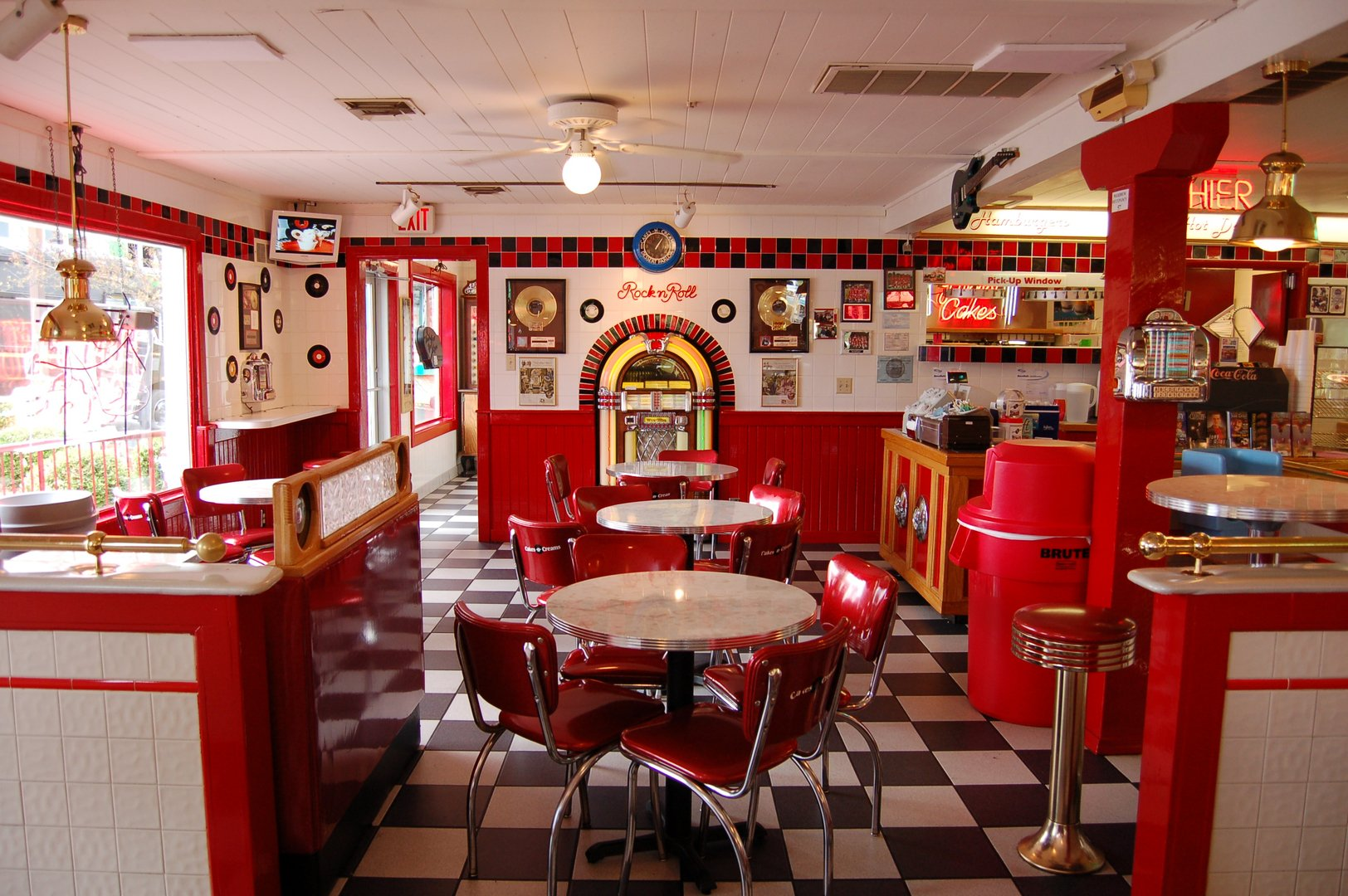 Küche Diner Style Room Wallpaper And Background Image 1624x1080 Id