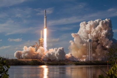 Falcon Heavy Liftoff Full HD Wallpaper and Background Image | 3000x2000 | ID:901950