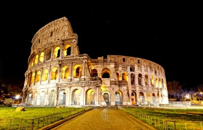 Colosseum Full HD Wallpaper and Background Image | 2000x1284 | ID:371393