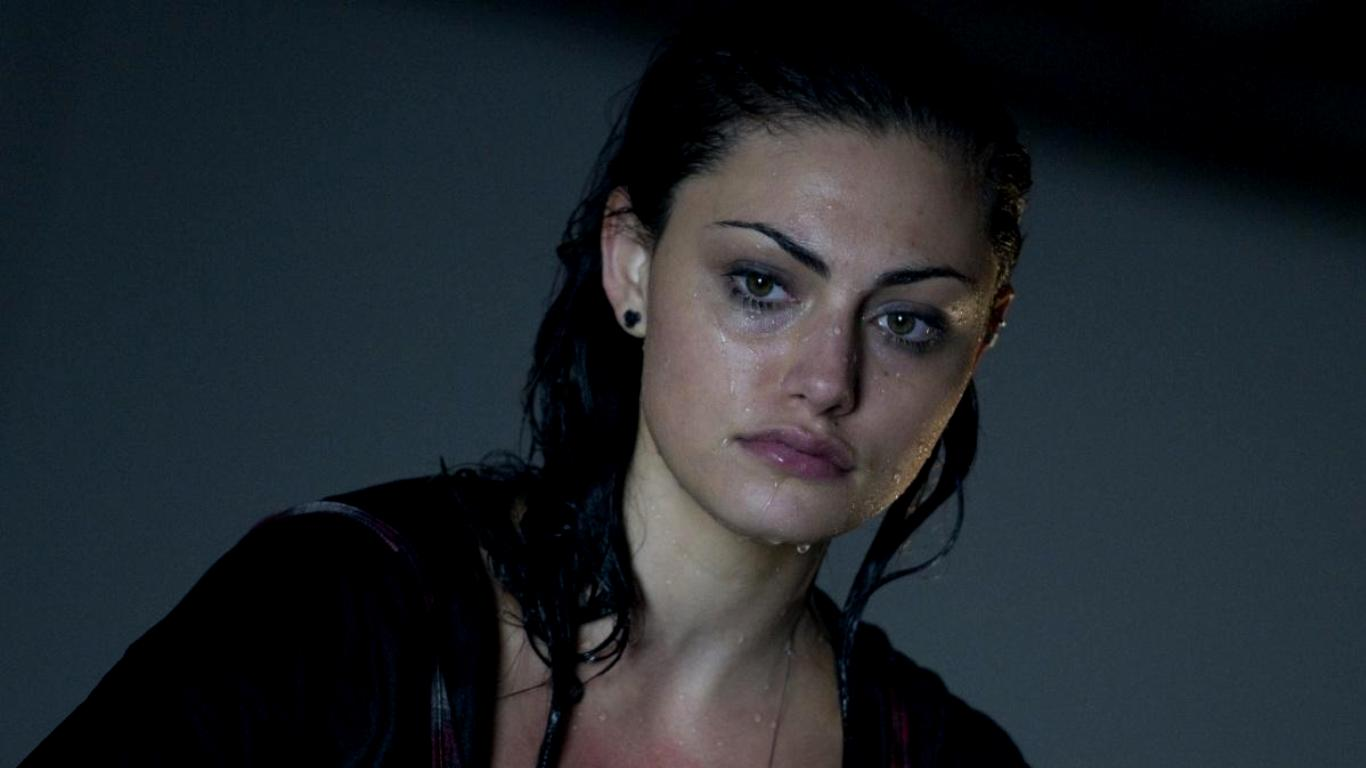 Shadowhunters Iphone Wallpaper Phoebe Tonkin Wallpaper And Background 1366x768 Id 536143