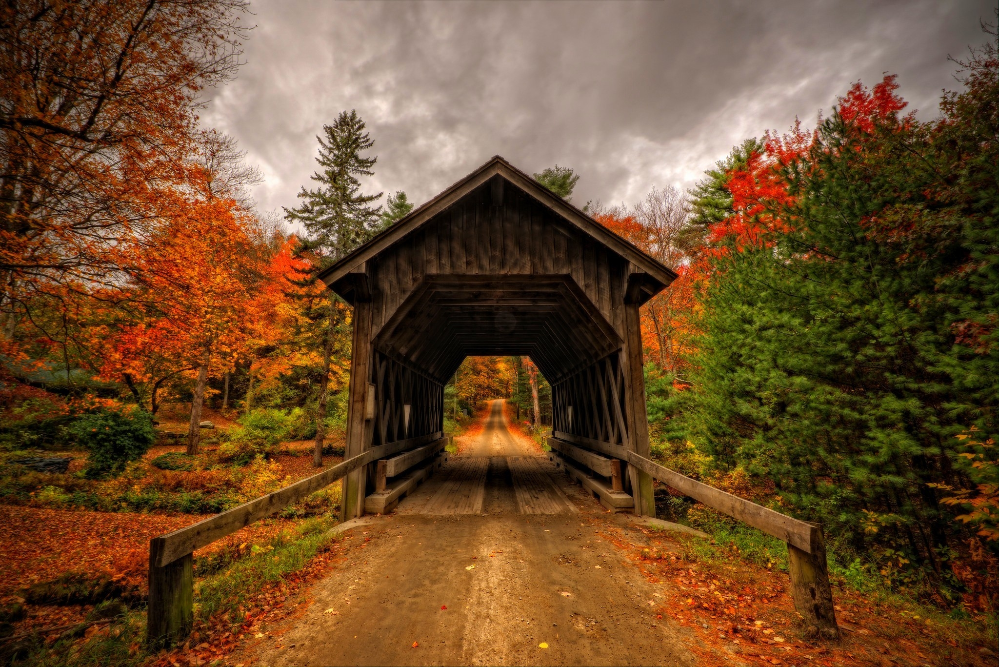 New England Fall Desktop Wallpaper Covered Bridge In Autumn Full Hd Wallpaper And Background