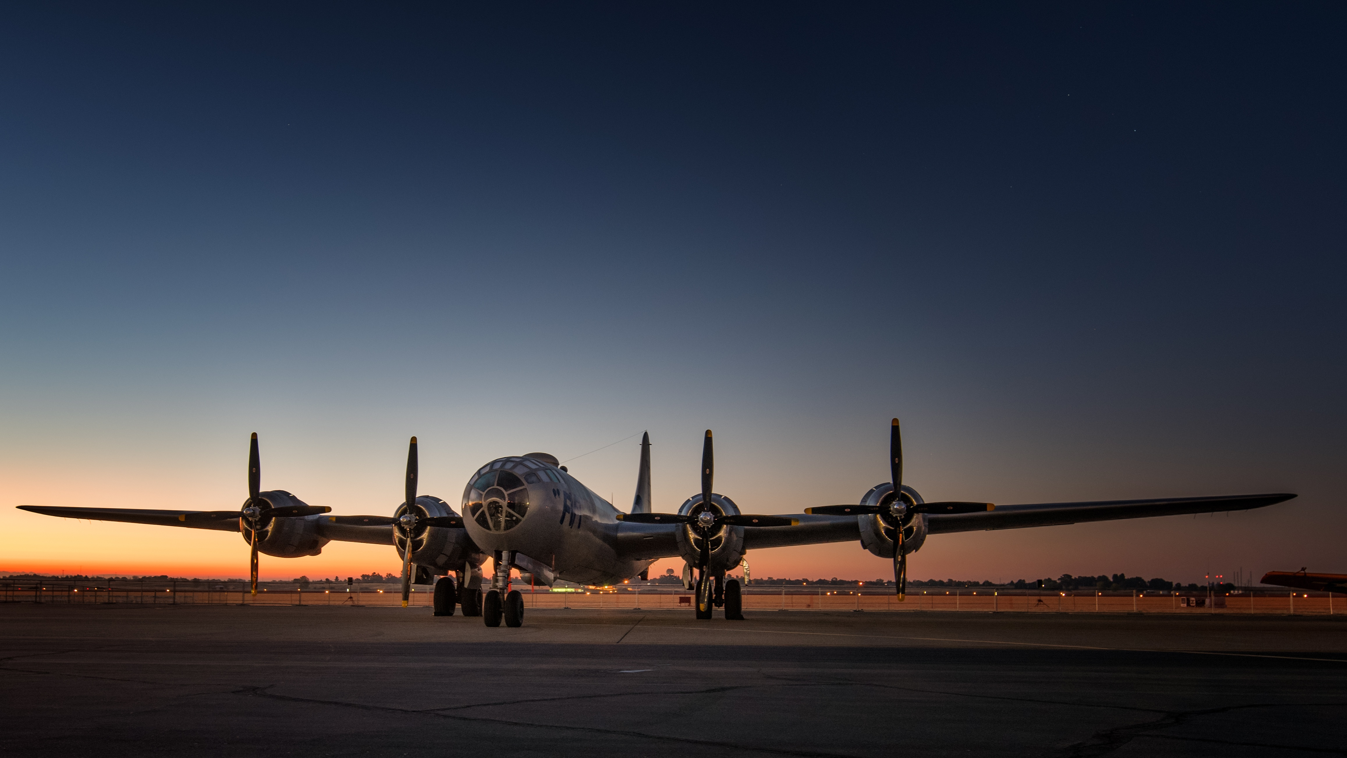 Airplane Wallpaper Iphone X Boeing B 29 Superfortress 4k Ultra Hd Wallpaper And