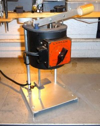 Rebuilding a Lyman lead furnace...Article