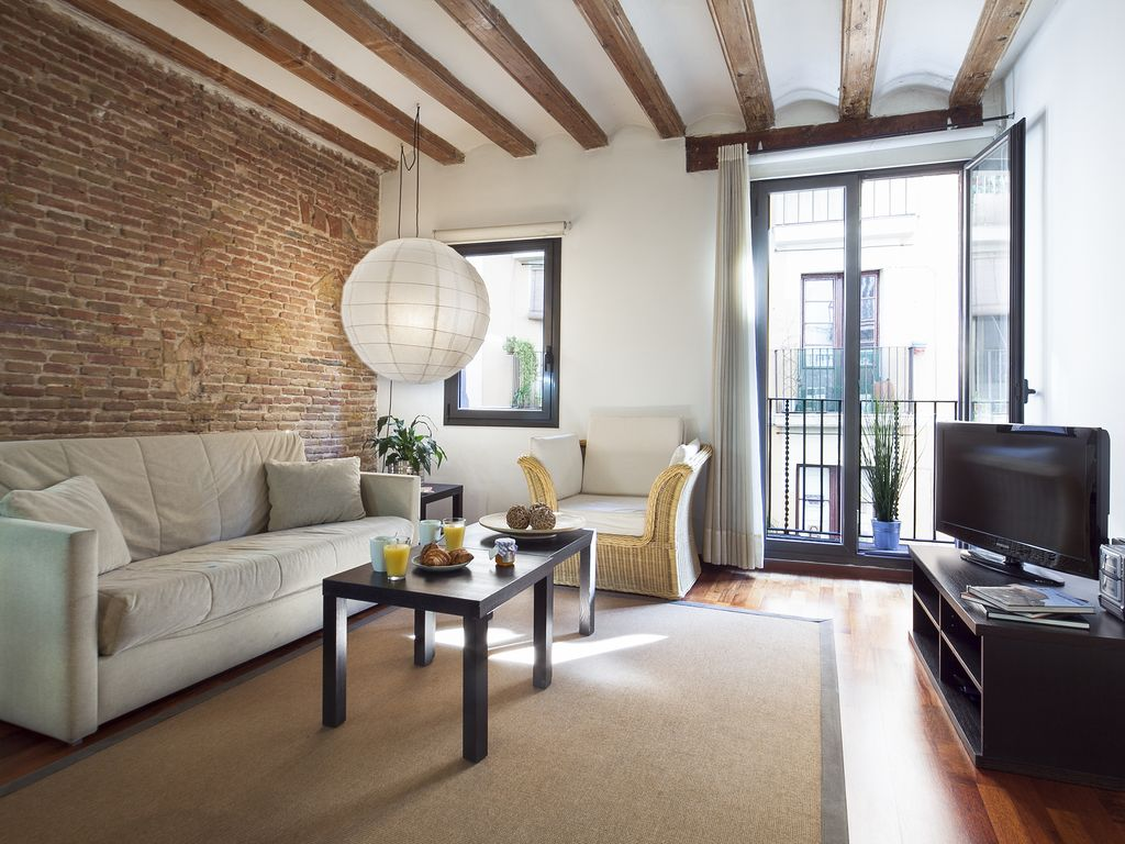 Woonkamer 35m2 The Best Place To Get To Know The Real Barcelona