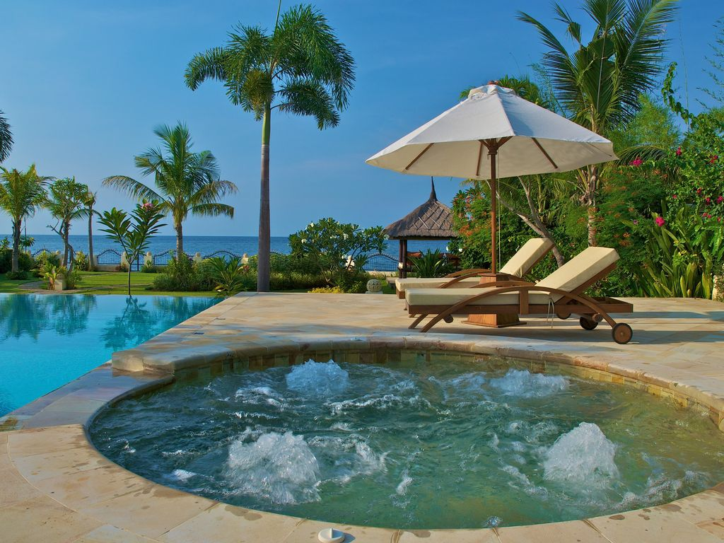 Jacuzzi Pool Villa Bali Lovina Holiday Villa Luxury Beach Villa At North Bali
