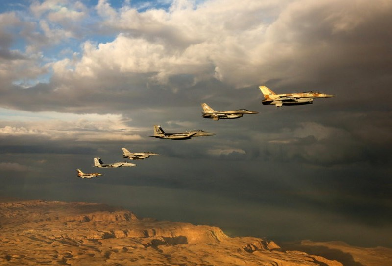 israeli-US-fighter-jets-fly-formation-over-red-sea-during-blue-flag-exercise