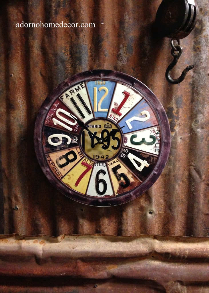 Metal Round License Plate Wall Clock Round Industrial
