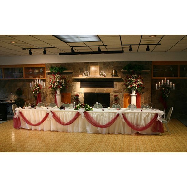 How to Set Up a Head Table Our Everyday Life - wedding reception setup with rectangular tables