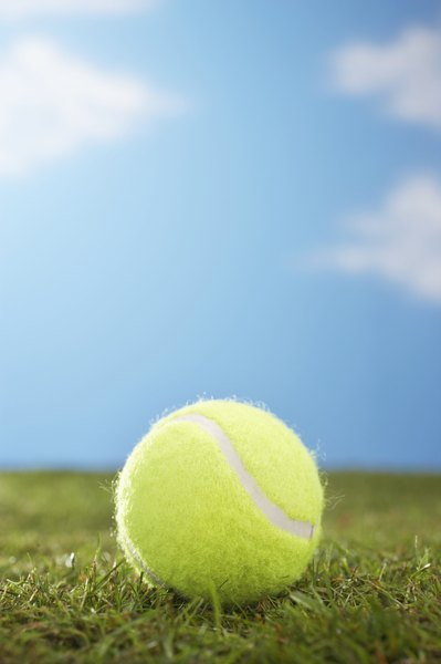 The Effects of Age on a Tennis Ball - Woman - why is there fuzz on a tennis ball