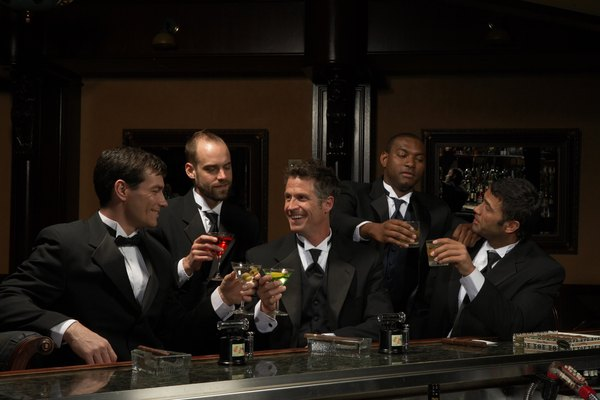 Do Groomsmen Pay for the Bachelor Party? - Budgeting Money