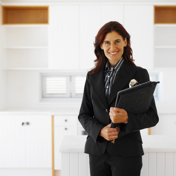 How to Become a Certified Sports Agent - Woman