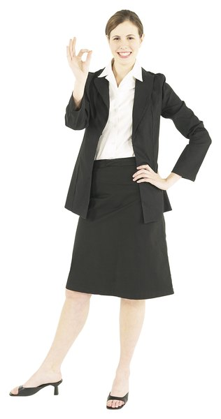 What Attire Should a Woman Wear to a Job Interview? - Woman