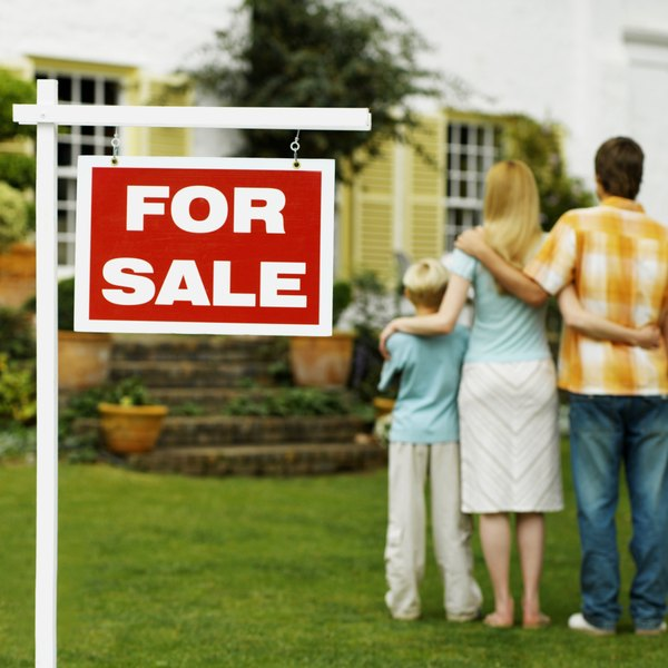 How to Calculate a Mortgage With Association Fees  Taxes