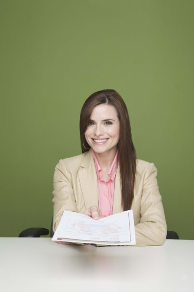 What Type of Paper Should a Resume Be Printed On? - Woman