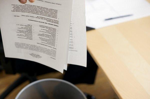 Staff Accountant Job Objectives - Woman